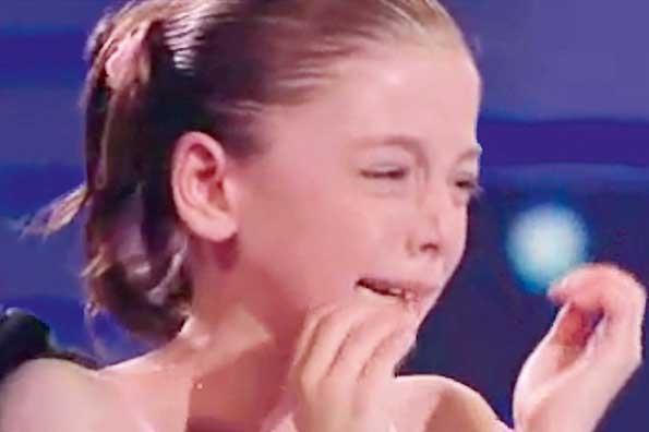 image Pal039s daughter crying holly hendrix has
