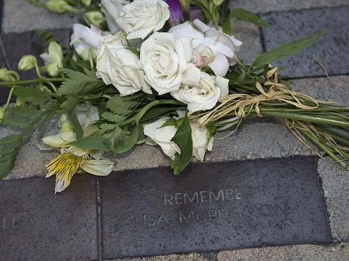麗莎·麥弗遜在佛羅里達州清水灣煤氣燈胡同的紀念磚