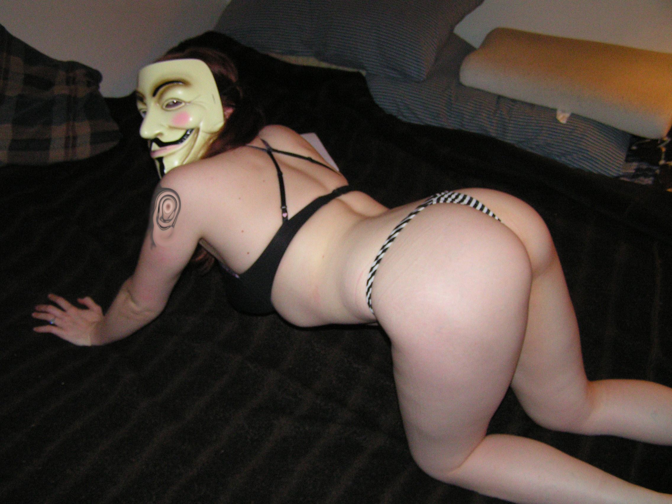 ariel nude massage